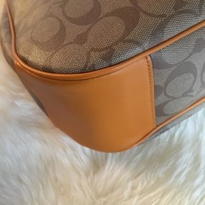 Coach Bags - AUTHENTIC VERY GENTLY USED COACH BAG